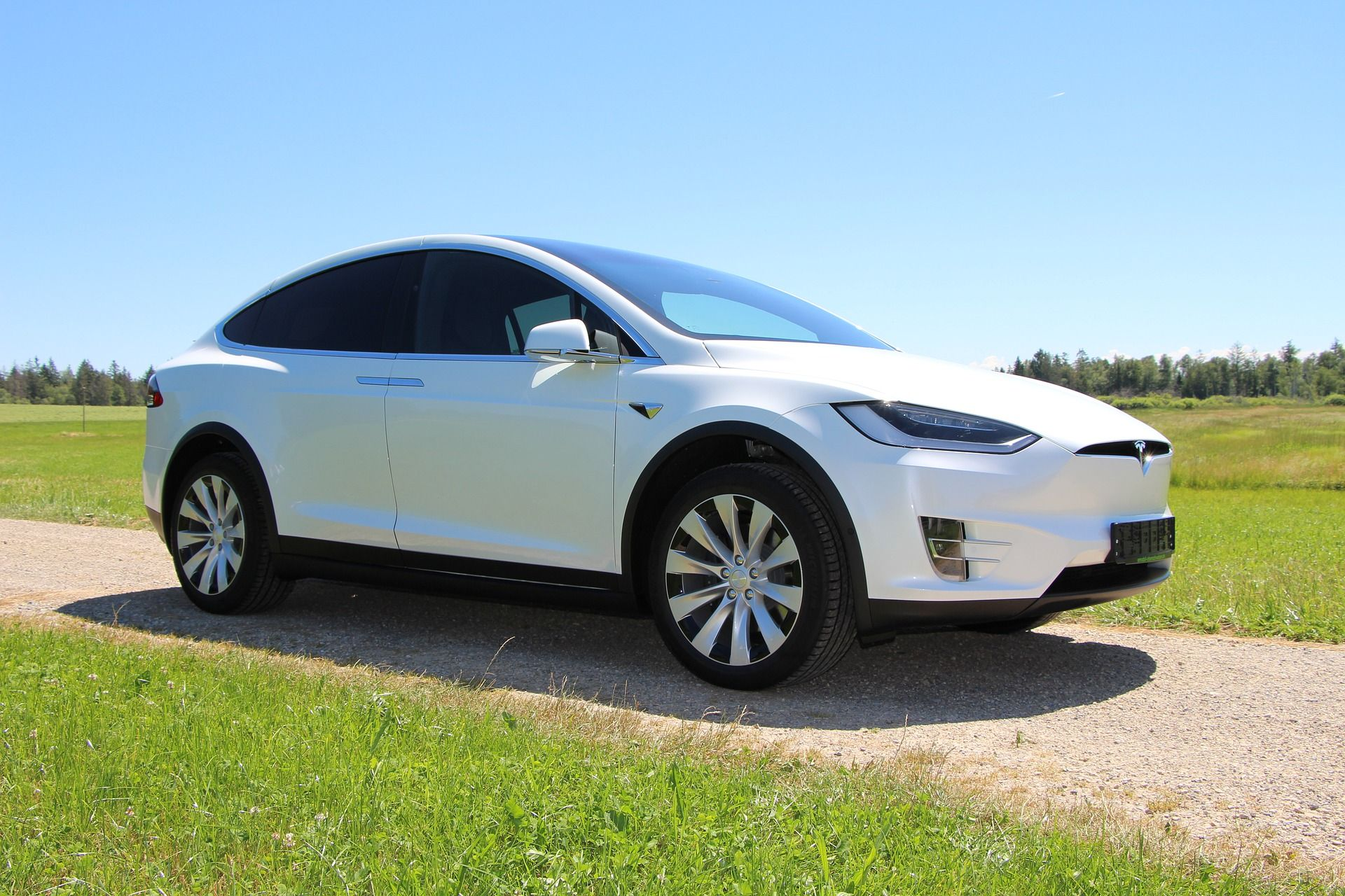 Electric Cars & Chauffeurs – The Tesla Model X